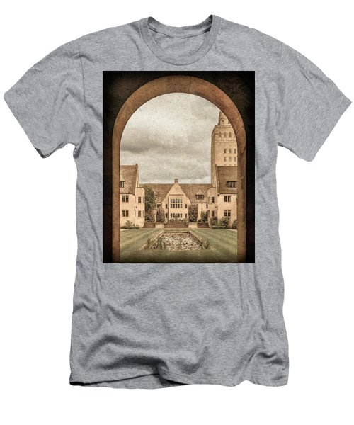 Oxford, England - Nuffield College Men's T-Shirt (Athletic Fit)
