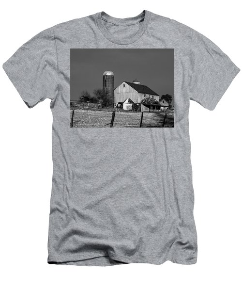 Old Barn 1 Men's T-Shirt (Athletic Fit)