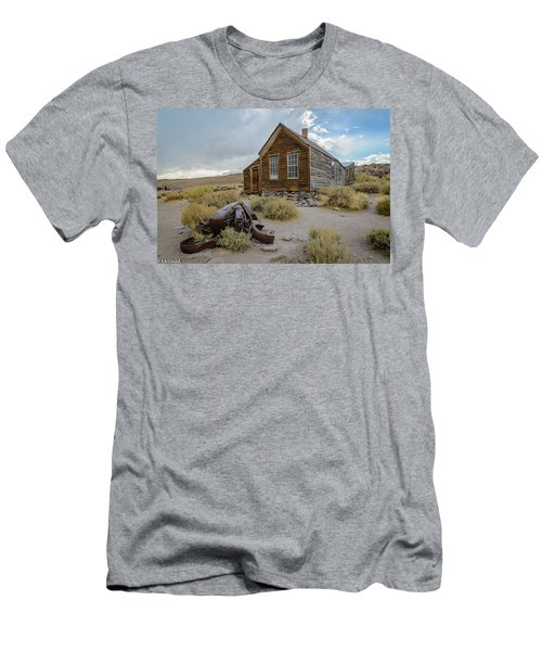 Old Bodie House II Men's T-Shirt (Athletic Fit)