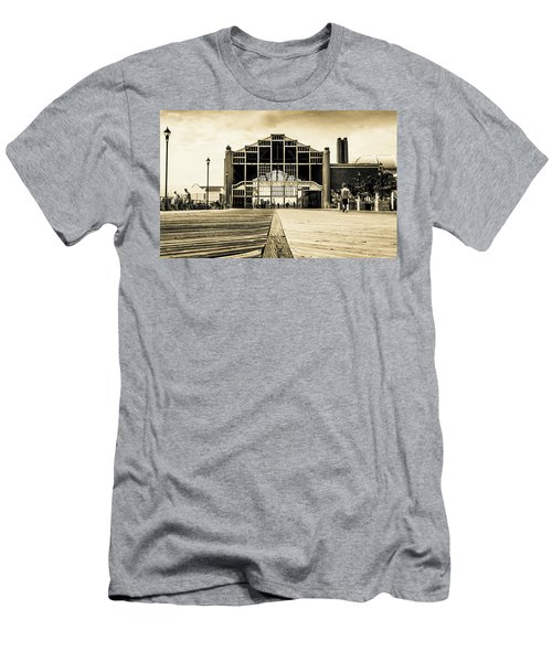 Old Casino Men's T-Shirt (Athletic Fit)