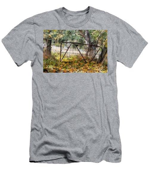 Old Farm Gate Men's T-Shirt (Athletic Fit)