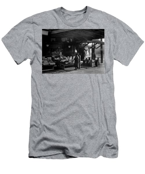Old French Market Men's T-Shirt (Athletic Fit)