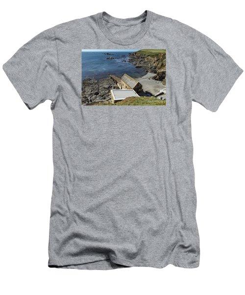 Old Lifeboat Station Men's T-Shirt (Slim Fit)