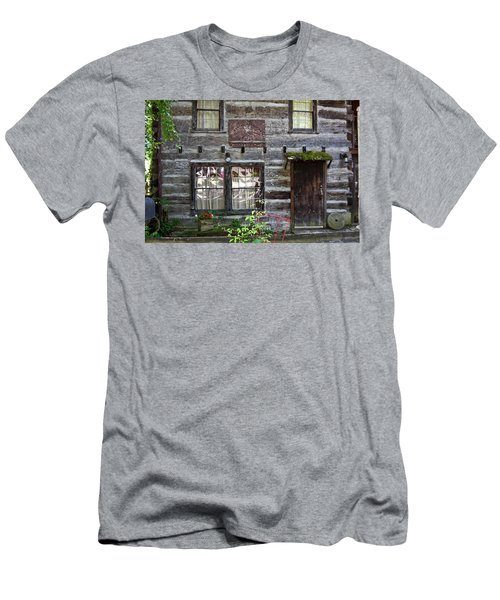 Old Log Building Men's T-Shirt (Athletic Fit)