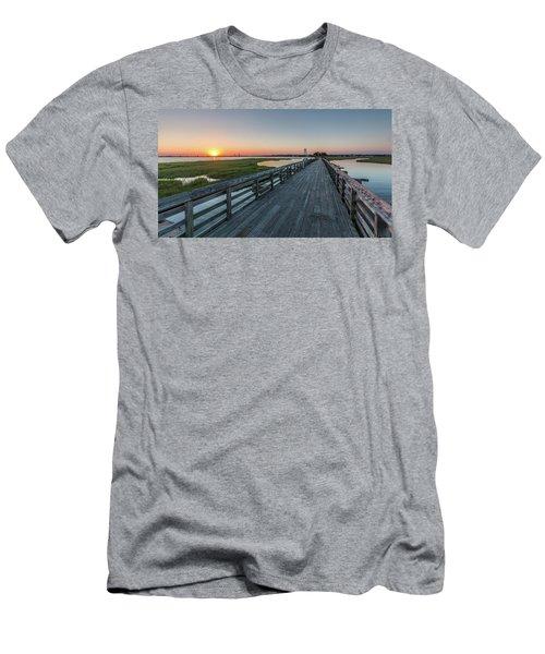 Old Pitt Street Bridge  Men's T-Shirt (Athletic Fit)