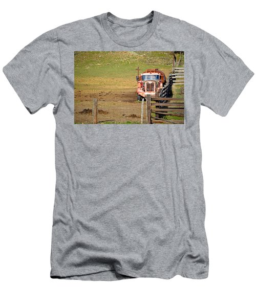 Old Pump Truck Men's T-Shirt (Athletic Fit)