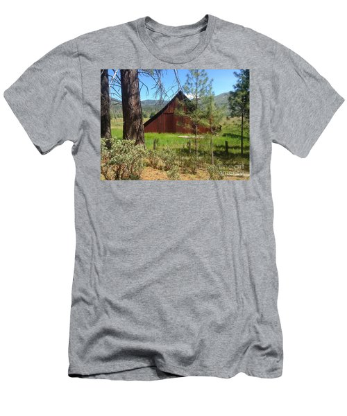 Old Red Barn Men's T-Shirt (Athletic Fit)