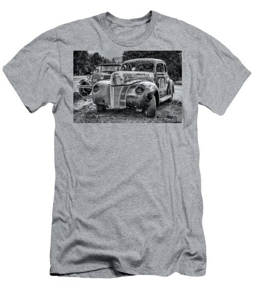 Old Warrior - 1940 Ford Race Car Men's T-Shirt (Athletic Fit)