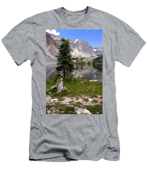 On The Snowy Mountain Loop Men's T-Shirt (Athletic Fit)
