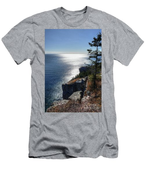 Palisade Head Lake Superior Minnesota Winter Afternoon Men's T-Shirt (Athletic Fit)