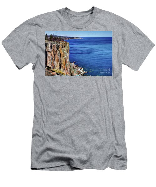 Palisade Head Tettegouche State Park North Shore Lake Superior Mn Men's T-Shirt (Athletic Fit)
