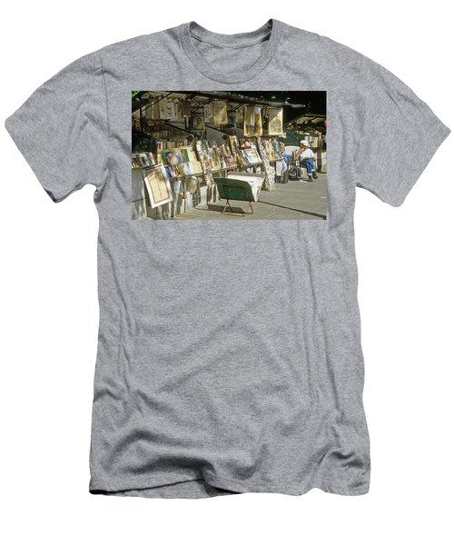 Paris Bookseller Stall Men's T-Shirt (Athletic Fit)