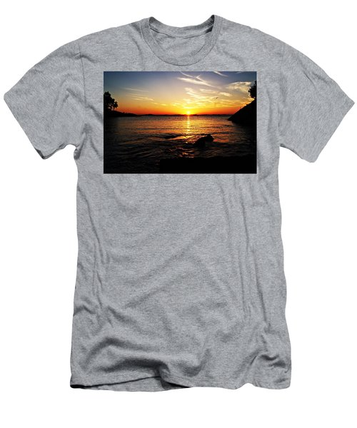 Plum Cove Beach Sunset G Men's T-Shirt (Athletic Fit)
