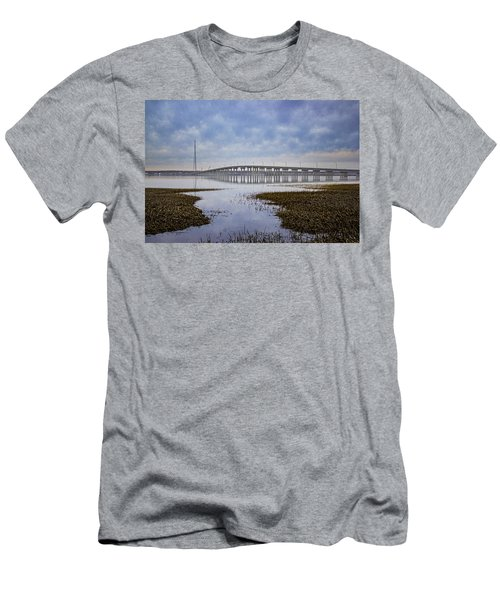 Ponquogue Bridge Hampton Bays Ny Men's T-Shirt (Athletic Fit)