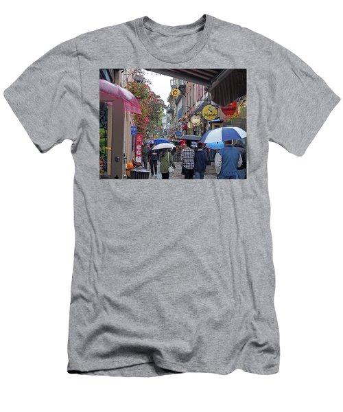 Quebec City Men's T-Shirt (Athletic Fit)