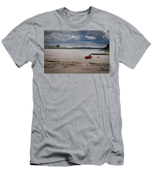 Red Boat On The Mud Men's T-Shirt (Athletic Fit)
