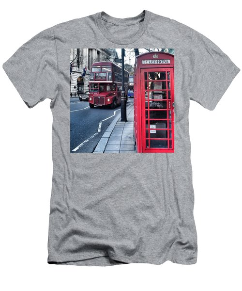 Red Bus In London  Men's T-Shirt (Athletic Fit)