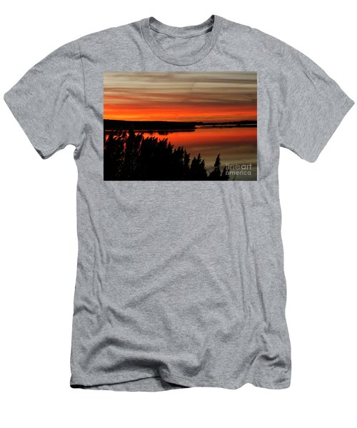 Red Sky On The Illinois River Men's T-Shirt (Athletic Fit)