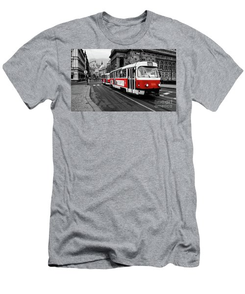 Prague - Red Tram Men's T-Shirt (Athletic Fit)