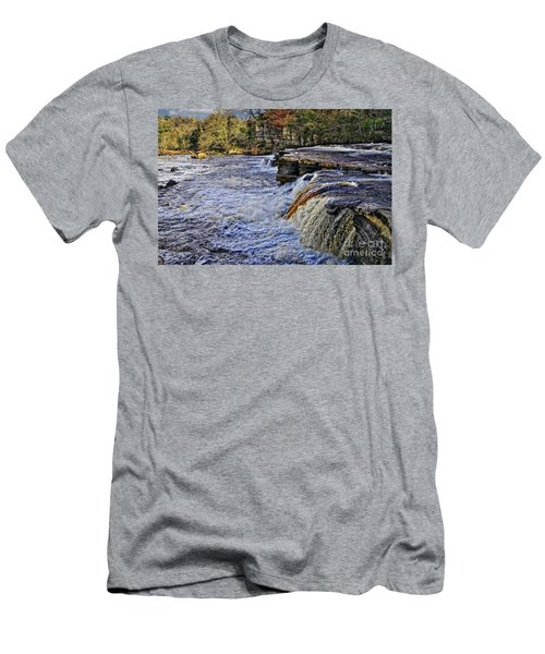 River Swale At Richmond Yorkshire Men's T-Shirt (Athletic Fit)