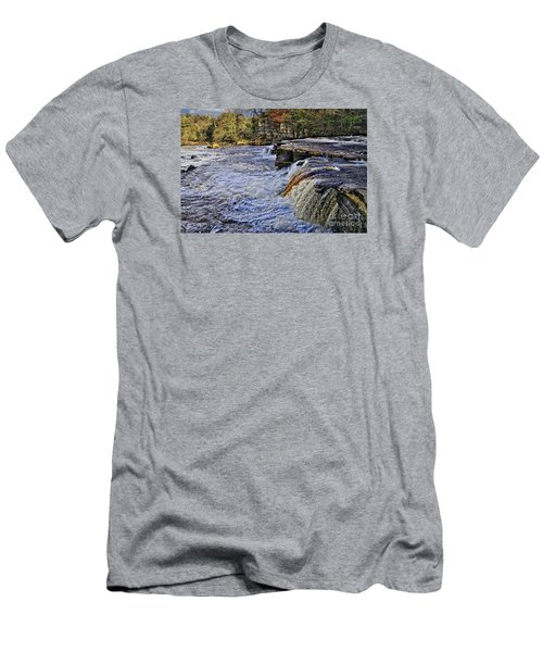 River Swale At Richmond Yorkshire Men's T-Shirt (Athletic Fit)