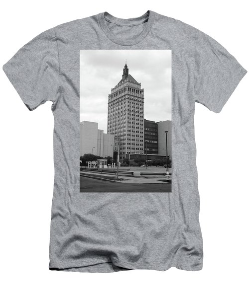 Rochester, Ny - Kodak Building 2005 Bw Men's T-Shirt (Athletic Fit)