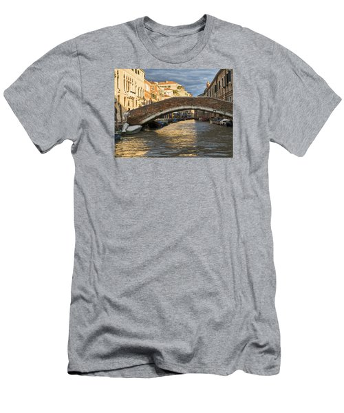 Romantic Venice Men's T-Shirt (Athletic Fit)
