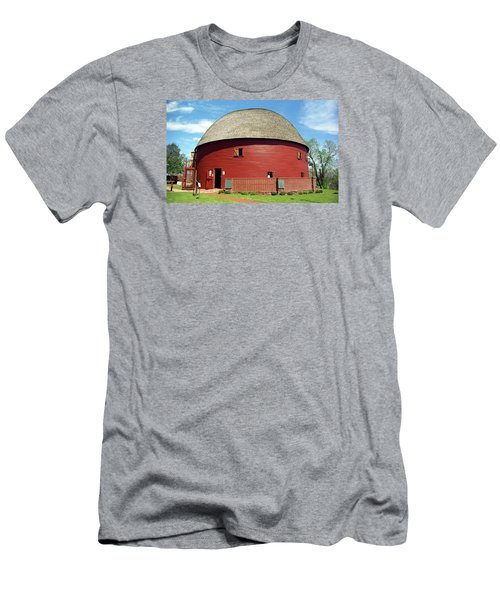 Route 66 - Round Barn Men's T-Shirt (Athletic Fit)