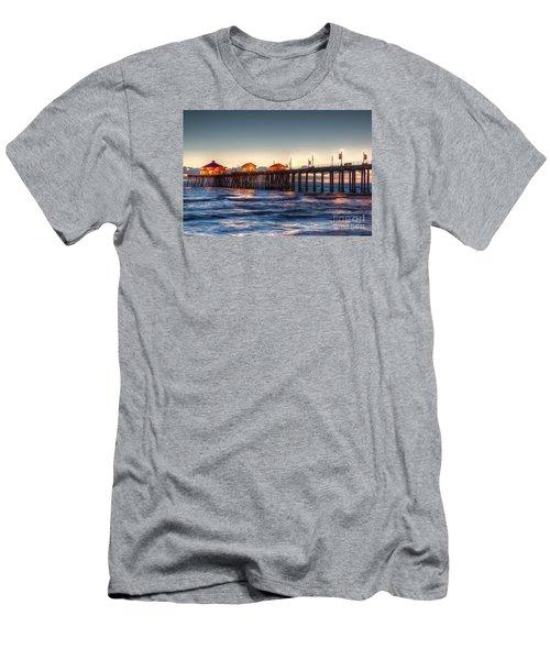 Ruby's Surf City Diner At Twilight - Huntington Beach Pier Men's T-Shirt (Slim Fit) by Jim Carrell