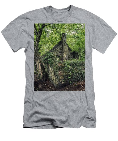 Run Down Mill Men's T-Shirt (Athletic Fit)