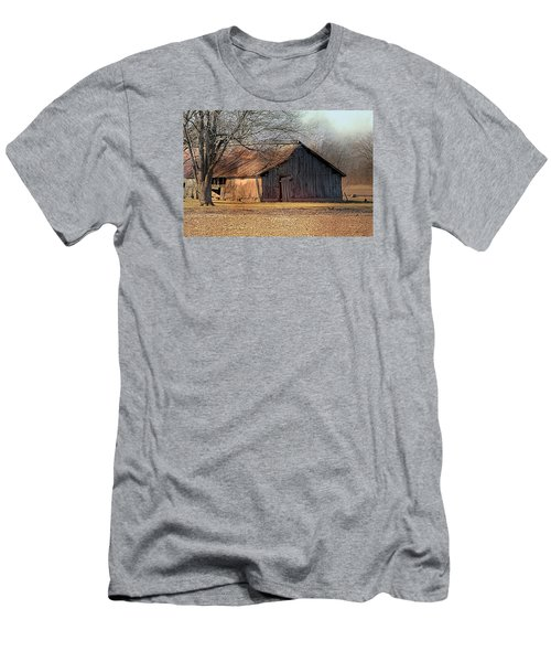 Rustic Midwest Barn Men's T-Shirt (Athletic Fit)