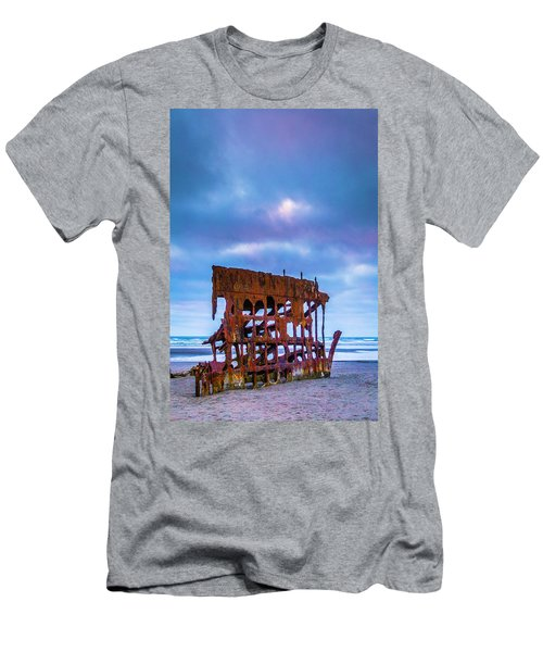 Rusting Peter Iredale Men's T-Shirt (Athletic Fit)