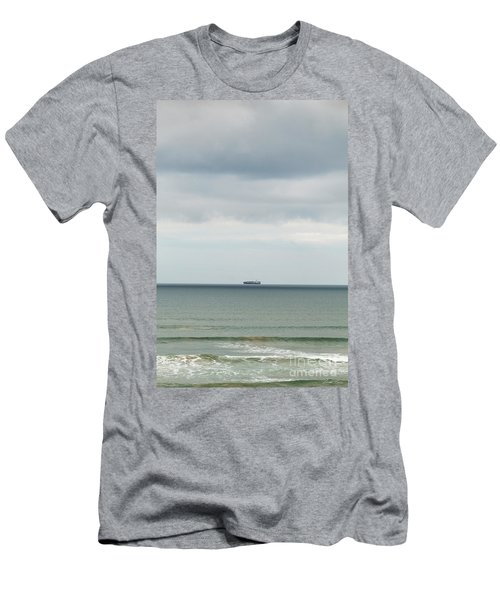 Men's T-Shirt (Athletic Fit) featuring the photograph Sailing The Horizon by Linda Lees