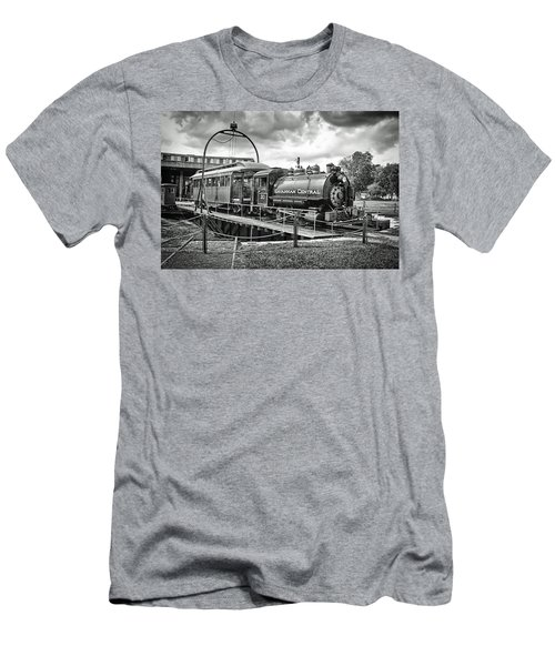 Savannah Central Steam Engine On Turn Table Men's T-Shirt (Athletic Fit)