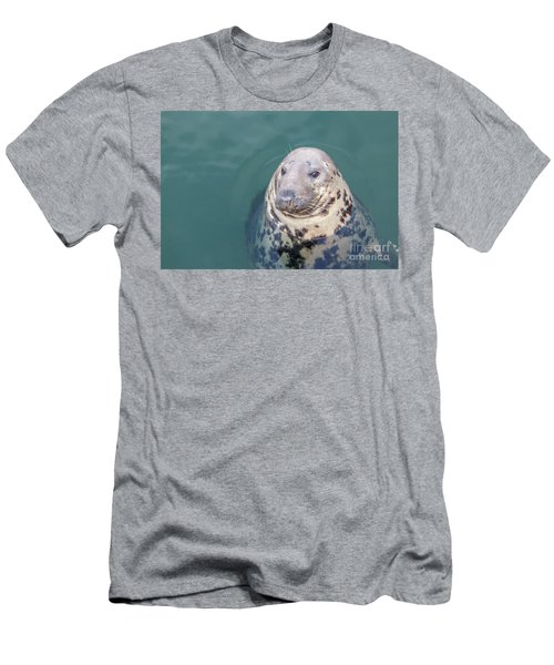 Seal With Long Whiskers With Head Sticking Out Of Water Men's T-Shirt (Athletic Fit)