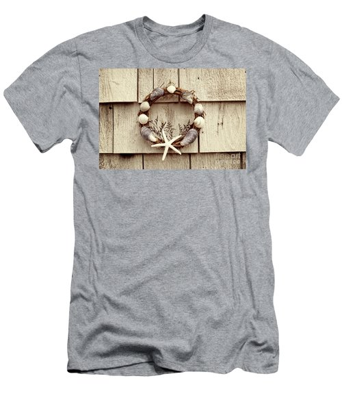 Seashell Wreath Men's T-Shirt (Athletic Fit)