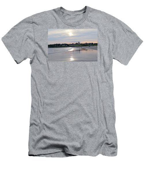Second Beach Newport Ri Men's T-Shirt (Athletic Fit)