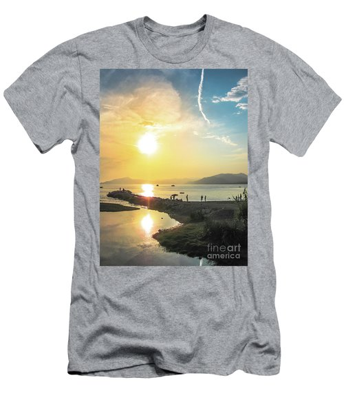 Sestri Levante Baia Delle Favole Men's T-Shirt (Athletic Fit)