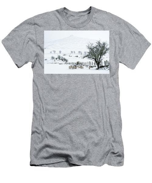 Sheep Shelter  Men's T-Shirt (Athletic Fit)