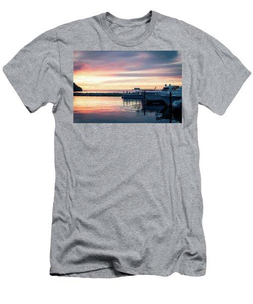 Sister Bay Marina At Sunset Men's T-Shirt (Athletic Fit)