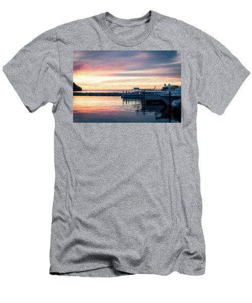 Sister Bay Marina At Sunset Men's T-Shirt (Athletic Fit)
