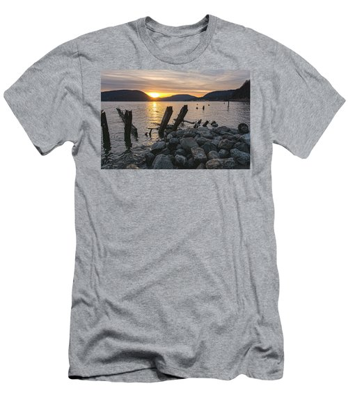 Sleepy Waterfront Dream Men's T-Shirt (Athletic Fit)