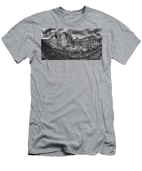 Smith Rock Black And White Panorama Men's T-Shirt (Athletic Fit)