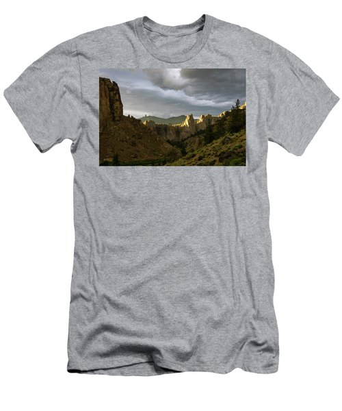 Smith Rock Sky Men's T-Shirt (Athletic Fit)