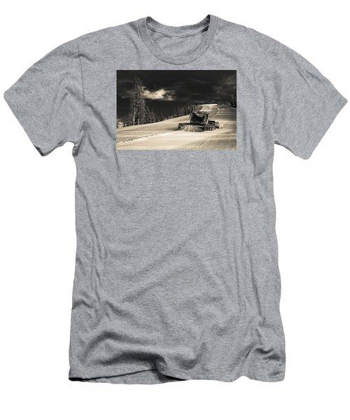 Snowcat Men's T-Shirt (Athletic Fit)
