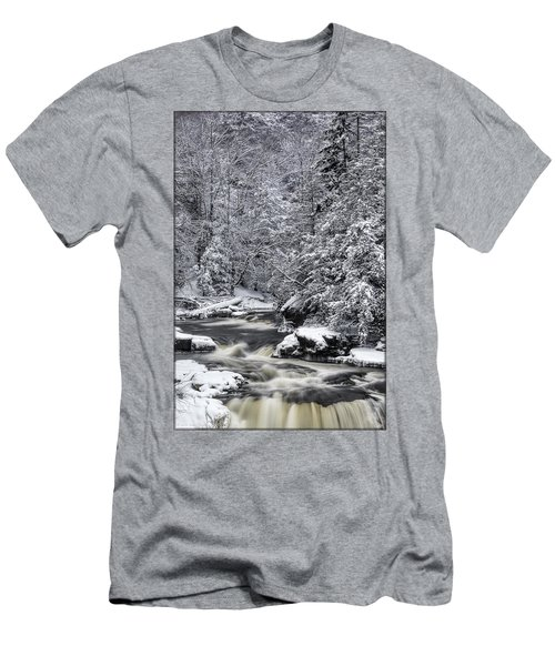 Snowy Blackwater Men's T-Shirt (Athletic Fit)