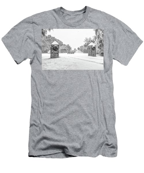 Snowy Gates Of Chisolm Island Men's T-Shirt (Athletic Fit)
