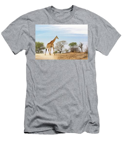 South African Giraffe Men's T-Shirt (Athletic Fit)