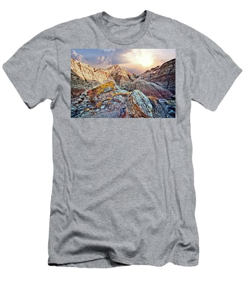 South Dakota 2 Men's T-Shirt (Athletic Fit)