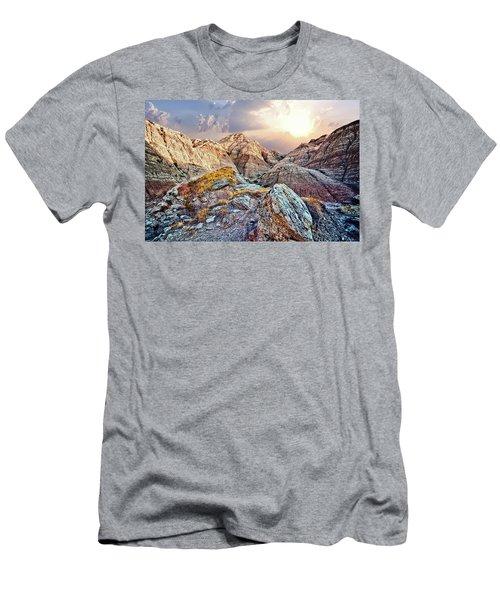 South Dakota 2 Men's T-Shirt (Athletic Fit)